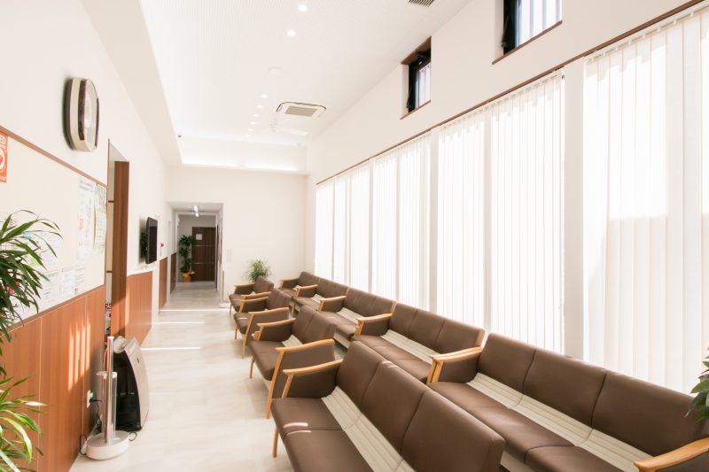 富田医院 待合室